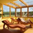 Kratší rodinná víkendová dovolená se nemusí odehrávat pouze v horském hotelu či chatce. Můžete ji trávit také tam, kde vám nabídnou široký výběr volnočasových aktivit a bohatě zastoupenou wellness zónu....